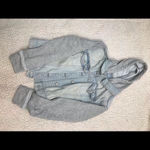 Jean jacket/ sweatshirt faded blue